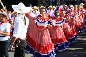 festivalul-inimilor-costume-populare-91
